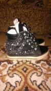 Продам кросовки для модницы