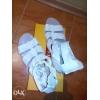 Продаются белые кожаные босоножки,   в отличном состоянии!